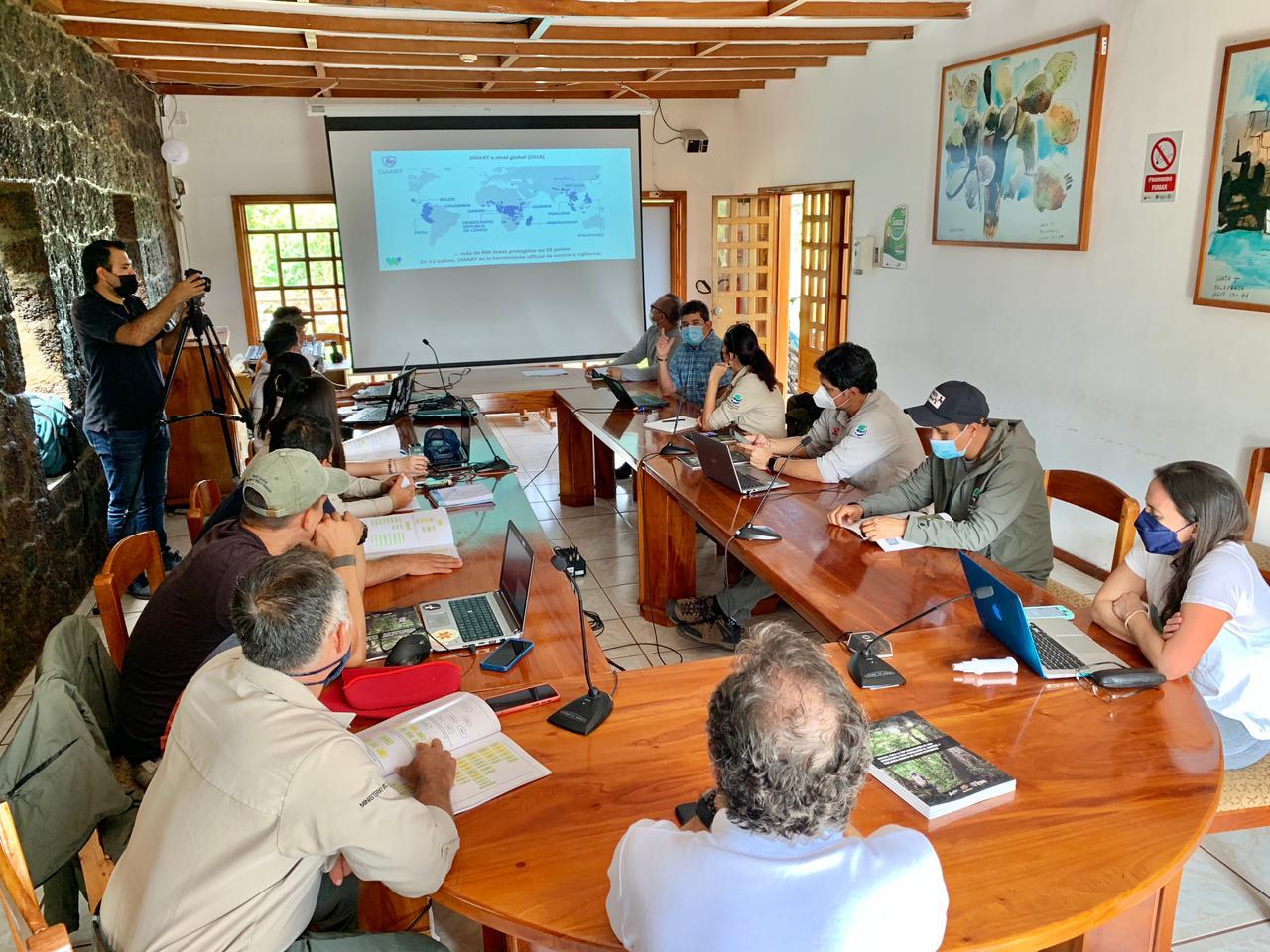Parque Nacional Galápagos fortalece iniciativas conjuntas de conservación y combate al tráfico de vida silvestre 3